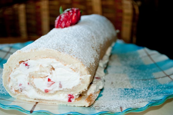 strawberry shortcake roll